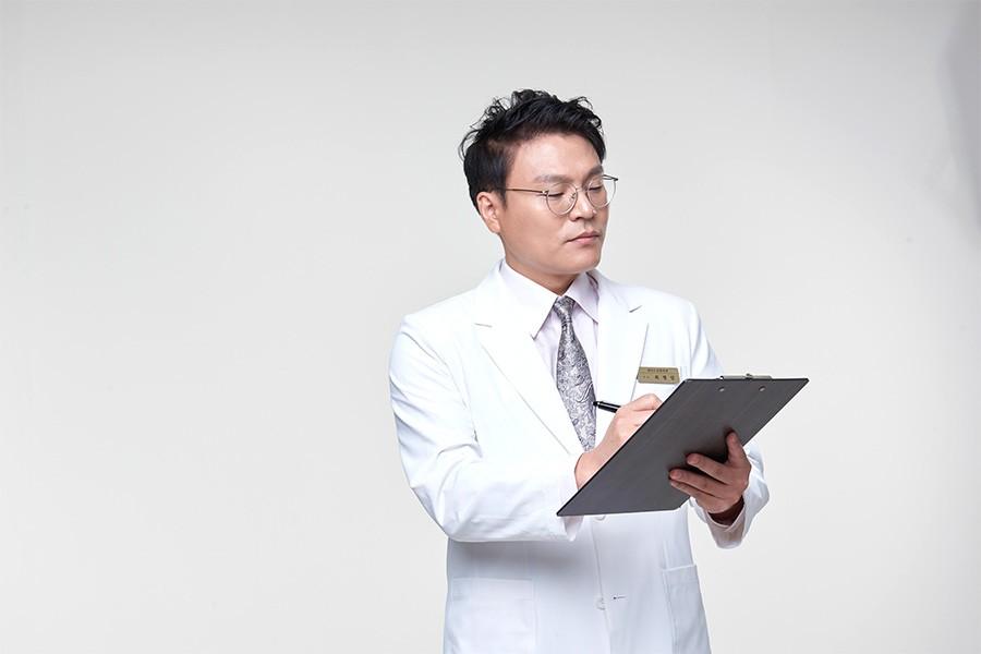 เหตุผลที่ควรให้แพทย์ผู้เชี่ยวชาญฉีดไขมันสเต็มเซลล์เพิ่มความอ…